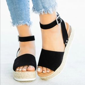 Shoes - 🔥🔥SALE🔥Black Espadrille Wedge Flats!🖤